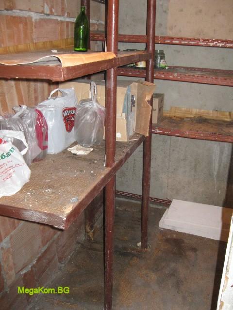 Почистено мазе с извозени отпадъци